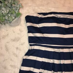 🌸Gap blue and white stripped dress